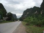 Jalan raya ke Hoa Binh
